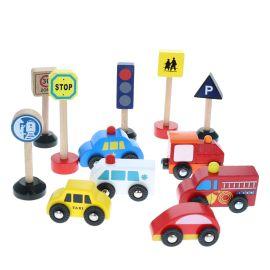 Set de voitures en bois et accessoires